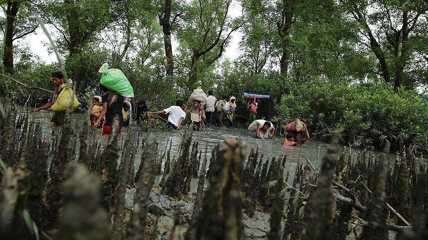 مسلمو الروهنغيا يواصلون الفرار من بطش جيش ميانمار