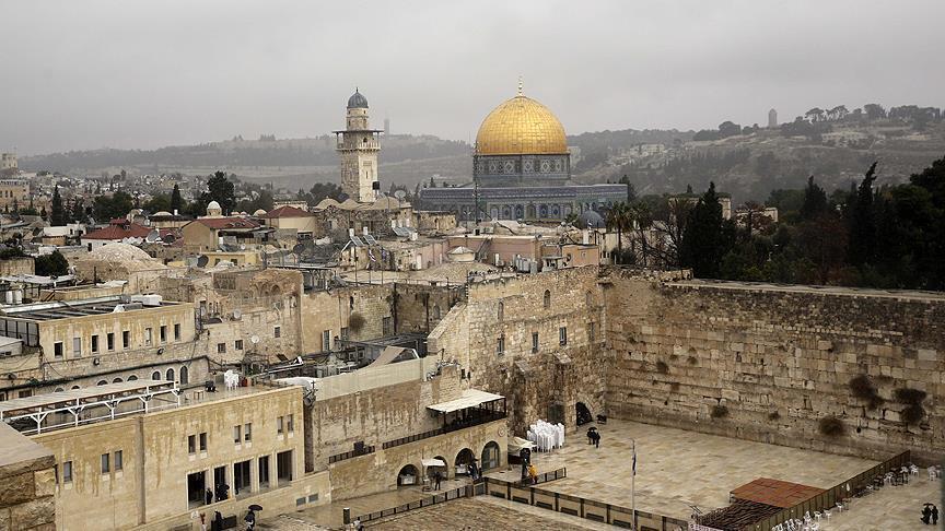 مشروع قانون إسرائيلي يسمح بشطب إقامة مواطنين في القدس والجولان