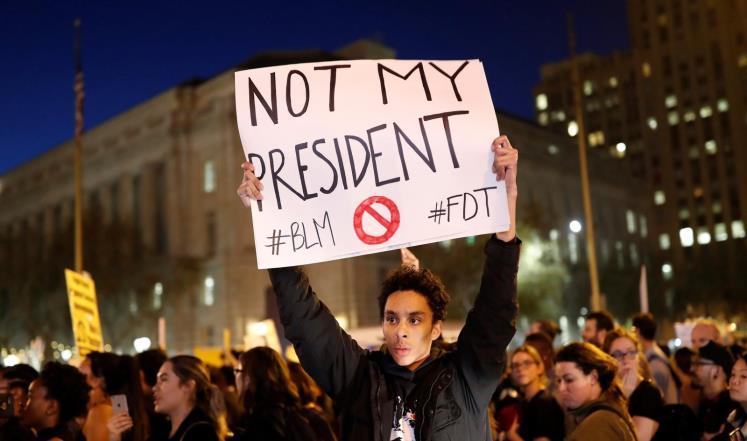 مظاهرتان في شيكاغو ضدّ سياسات ترامب وعنف الشرطة