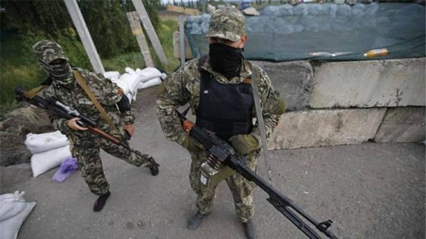 مقتل 5 جنود أوكرانيين في اشتباكات مع انفصاليين شرقي البلاد