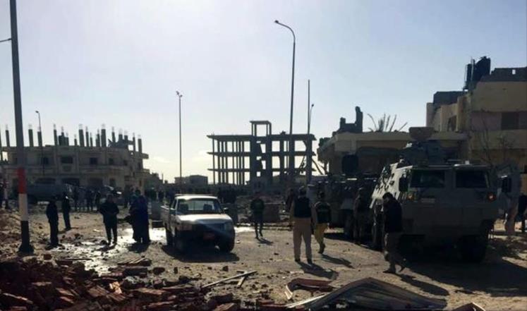مقتل 5 جنود مصريين برصاص مسلحين وسط سيناء