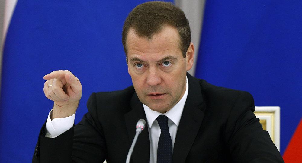 ميدفيديف: نرغب في نشر الاستقرار والرفاه في البحر الأسود