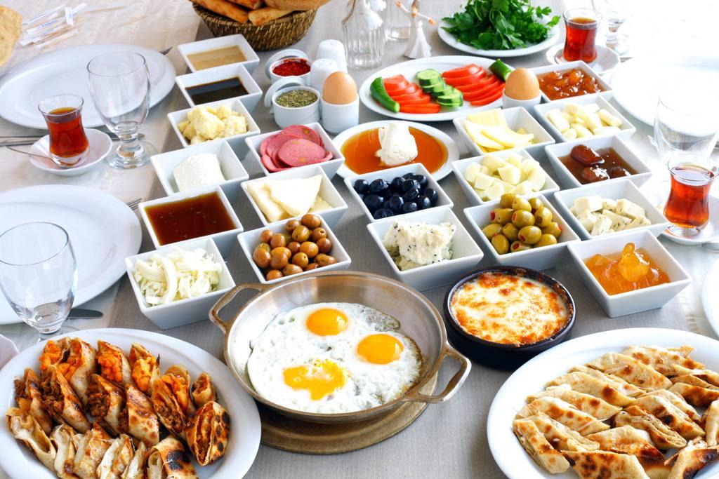 نصيحة طبية: تناول الفطور بانتظام يقيك متاعب القلب