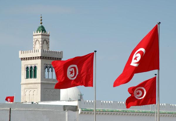 هبوط الدينار وزيادة الضرائب تعرقل اقتناء سيارة في تونس