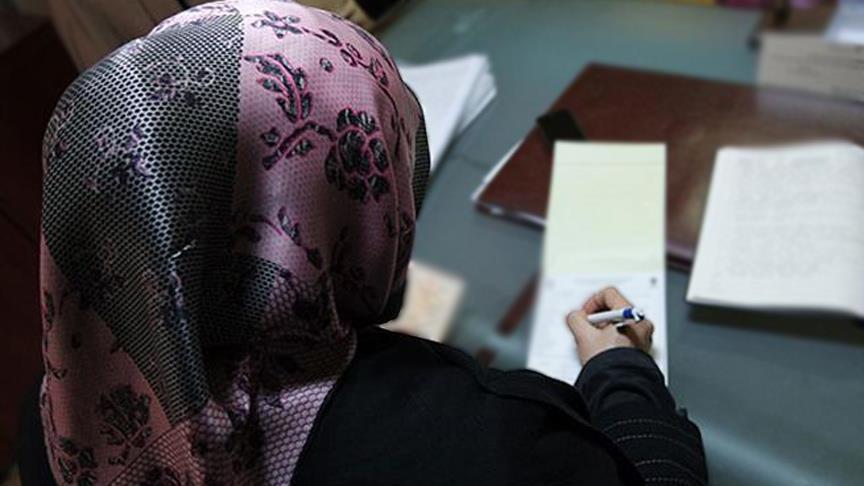 """وزيرة كندية تصف الحجاب بـ""""رمز الاضطهاد"""""""