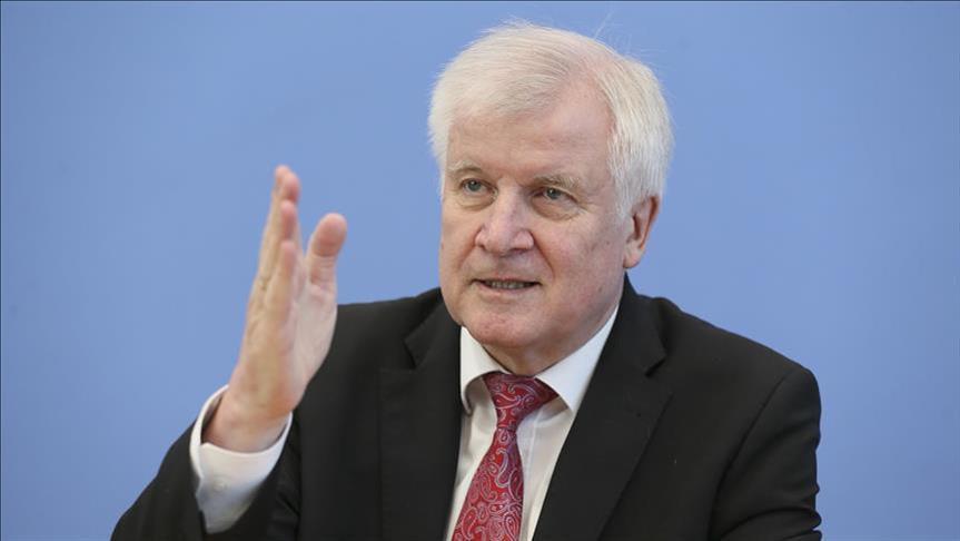 وزير ألماني: الهجرة أساس كل المشكلات السياسية في بلادنا