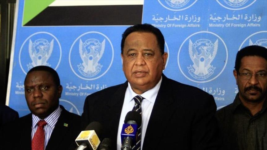 وزير الخارجية ومدير المخابرات السودانيين يتوجهان إلى القاهرة
