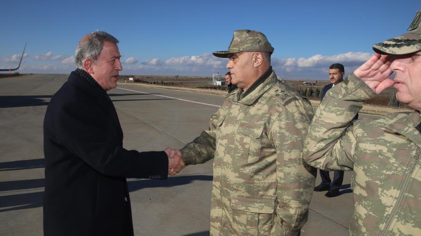 وزير الدفاع التركي: أعددنا الخطط اللازمة لعملية شرق الفرات في سوريا