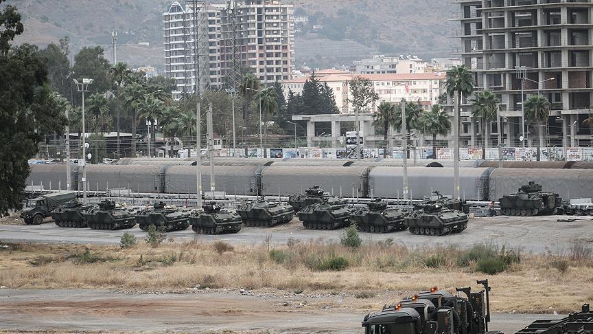 وصول تعزيزات عسكرية تركية إلى الحدود مع سوريا