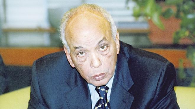 وصول جثمان الكاتب المصري البارز إبراهيم نافع إلى القاهرة