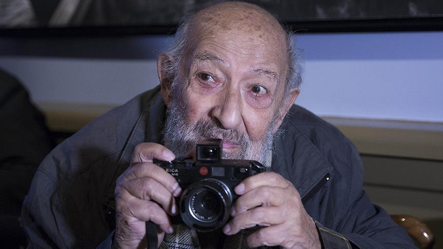 """وفاة المصور التركي الشهير """"أرا غولر"""""""