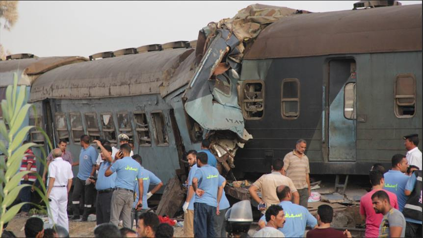 10 قتلى و15 مصابًا.. حصيلة أولية لتصادم قطارين شمالي مصر