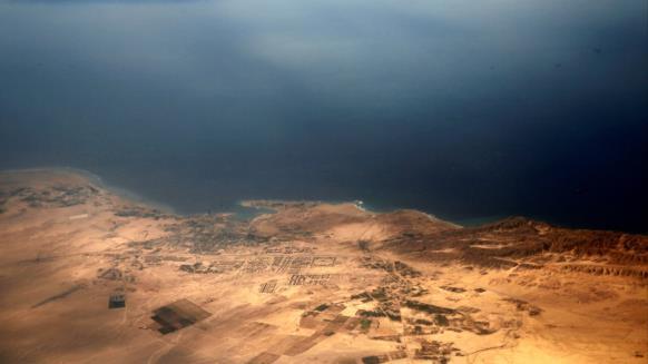 150 شخصية فنية مصرية تدعو للتظاهر رفضا للتنازل عن الجزر