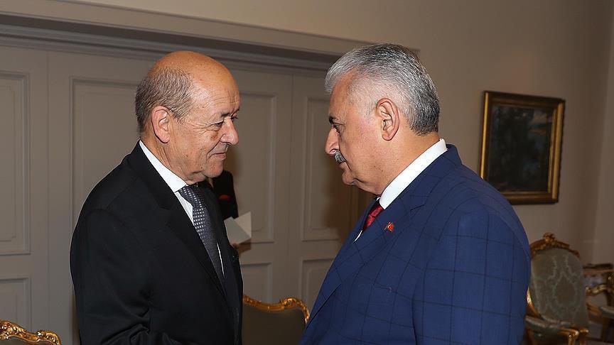 يلدريم يستقبل وزير الخارجية الفرنسي في أنقرة