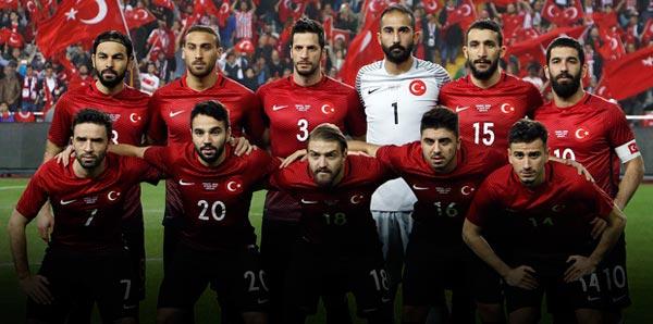 تركيا تنعش آمالها في التأهل إلى المونديال الروسي